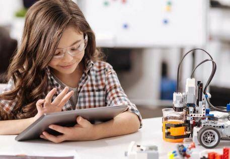 Los jóvenes de primaria y secundaria trabajaran en trabajos aún no se han creado